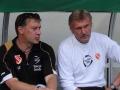 Energie Pressesprecher Lars Töffling und Trainer Rudi Bommer.