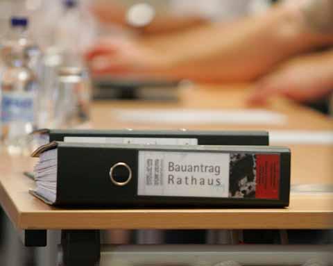 Startschuss: Rathausbau geht los!