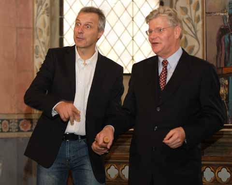 Förmliche Amtsübernahme: Markus Mücke nimmt Schulzenstab entgegen!