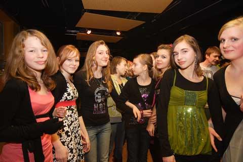 """""""Kids für Kids"""": Jugendliche organisieren ihre eigene Diskothek!"""