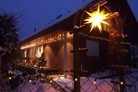 Es strahlt im Lichterglanz: Schulzendorfs Weihnachtshaus 2010!
