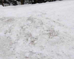 Winter im Dezember:  In Schulzendorf ist das Straßenchaos ausgeblieben –  an einigen Kreuzungen und Einmündungen herrscht jedoch ein Desaster!