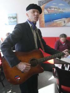Gegen den Strom – Liederpoet Pittkunings kommt nach Bestensee