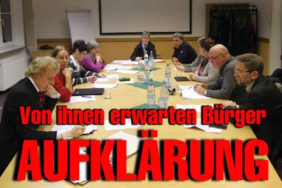Die Mitglieder des Untersuchungsausschusses: Karl-Uwe Fuchs/FDP (1.v.l.), Beate Tetzlaff/SPD (2.v.l.), Michael Wolter/CDU (Mitte), Heiko Witte/SPD (1.v.r.), Dieter Karczewski/BfZ (2.v.r.), Nadine Selch/CDU (3.v.r.)