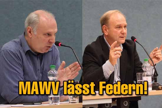 Der kaufmännische Leiter des MAWV, Otto Ripplinger (li.) und Verbandsvorsteher Peter Sczepanski (re) in einer öffentlichen Veranstaltung . Foto: Wolff)