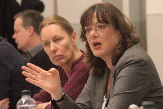 Warum führt Martina Mieritz (re) schon wieder eine unkorrekte Tätigkeitsbezeichnung? (Foto:mwBild)