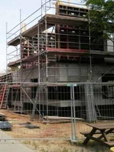 CHAOS – Baustelle Hort: Übergabe erneut verschoben