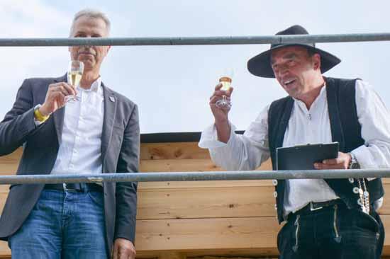 Bürgermeister Mücke bei der Richtspruch Zeremonie (Foto: H. Burmeister)