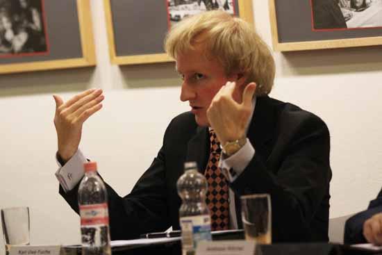 Karl - Uwe Fuchs, Vorsitzender der FDP in Zeuthen und Vizepräsident des Kreistages Dahme - Spreewald, wünscht sich eine breite öffentliche Debatte zum Bahnübergang Westkorso. (Foto: mwBild)