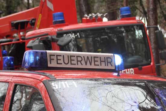 Böller – Wahnsinn: Brand ausgelöst – ein Verletzter