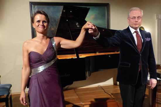 Konzertpianistin Gerlint Böttcher und Rezitator Hans-Jürgen Schatz (Foto: Norbert Vogel)
