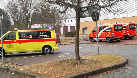 Die Johanniter Rettungskräfte und die Berliner Feuerwehr kümmerten sich um die Gesundheit der Kinder. (Foto:mwBild)