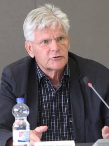 Nach Überzeugung von Dr. Herbert Burmeister wird der Rechtsfrieden nur bei Gleichbehandlung der Altanschließer eintreten. (Foto: mwBild)