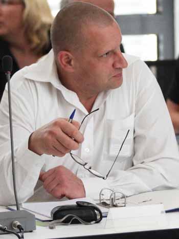 NPD – Mann Knuffke lobt Bürgermeister Mücke und das Rathaus