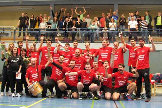 Die Meister der Brandenburg Liga 2019 (Foto: SV Schulzendorf)