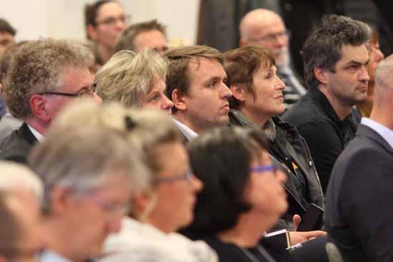 Zwar blieben einige Stühle leer, doch gemessen an den Fragen aus dem Publikum war das Interesse am Kandidaten Gipfel groß. (Foto: mwBild)