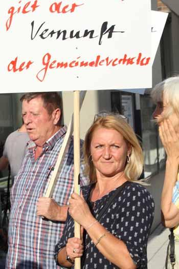 Katja und Klaus Schmidt schoben die Kundgebung an. (Foto: mwBild)