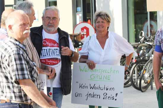 Abgeordnete wurden an ihre Versprechen erinnert. (Foto: mwBild)