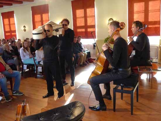 Unterhaltsames Konzert mit Quattrocelli im Kavalierhaus von Schloss Königs Wusterhausen. Foto: Norbert Vogel.