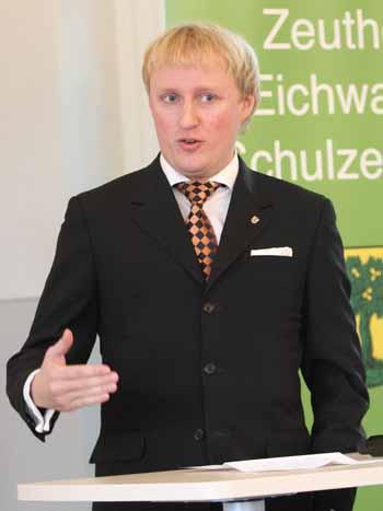 """Für den Vizepräsident des Kreistages, Karl Uwe Fuchs (FDP), ist die Vergabestelle ein """"vorbildhaftes Projekt"""". (Foto: mwBild)"""