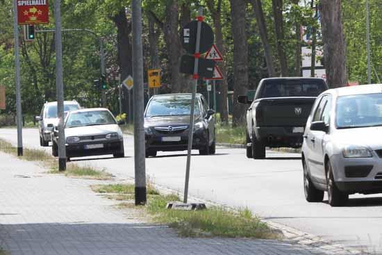 Immer wieder kommt es auf der Kreisstraße zu brenzligen Situationen. (mwBild)