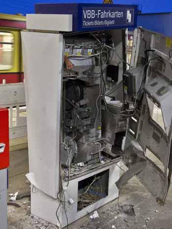Zeuthen: Fahrkartenautomat gesprengt