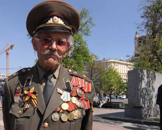 Rund 13 Millionen Soldaten der Roten Armee verloren im 2. Weltkrieg ihr Leben. Er schaffte es 1945 bis nach Berlin: Major der Artillerie Andrej Antonowitsch Filipow aus Moskau. (Foto: mwBild)