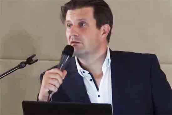 Jonas Reif, Vorsitzender der Gemeindevertretung Zeuthen. (Foto: screenshot kw-tv)