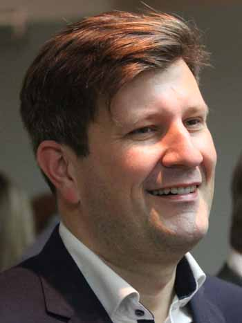 Zeuthen: Jonas Reif gibt Vorsitz im Gemeinderat ab