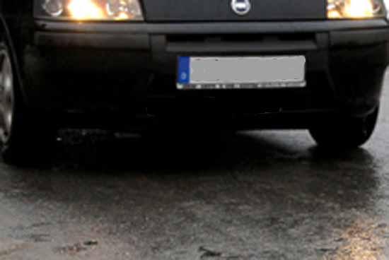 Spiegelglatte Straßen und kein Streufahrzeug in Sicht
