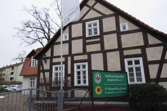 In diesem Protzhaus in Königs Wusterhausen sitzten die Chefs, die sich zu den Vorwürfen nicht äußern möchten. (Foto: mwBild)