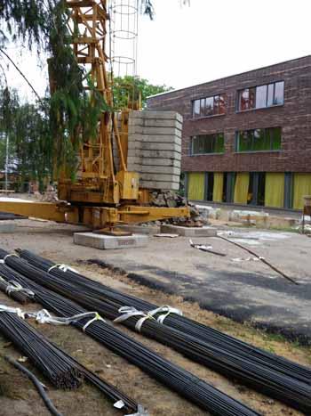Seit April basteln Bauarbeiter an Fundamenten und Bodenplatte. (Foto: mwBild)